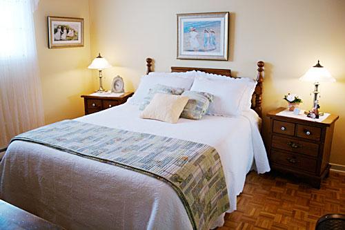 aux douceurs de france couette et caf bed breakfast qu bec services et tarifs. Black Bedroom Furniture Sets. Home Design Ideas